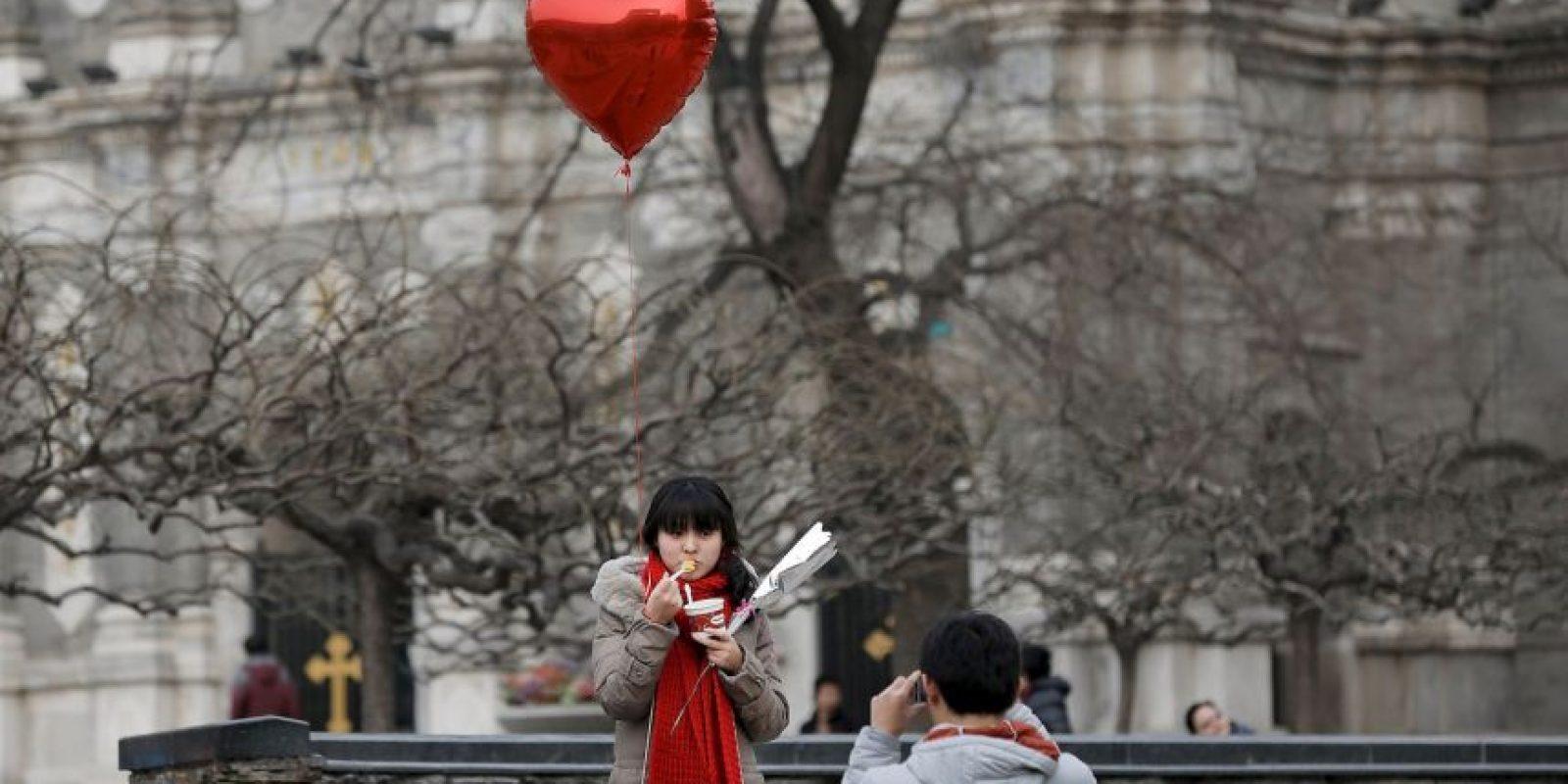 Si ella no te regala nada, si él no tiene detalles lindos este día, podría desencadenarse un problema que termine arruinando el momento. Foto:Getty Images