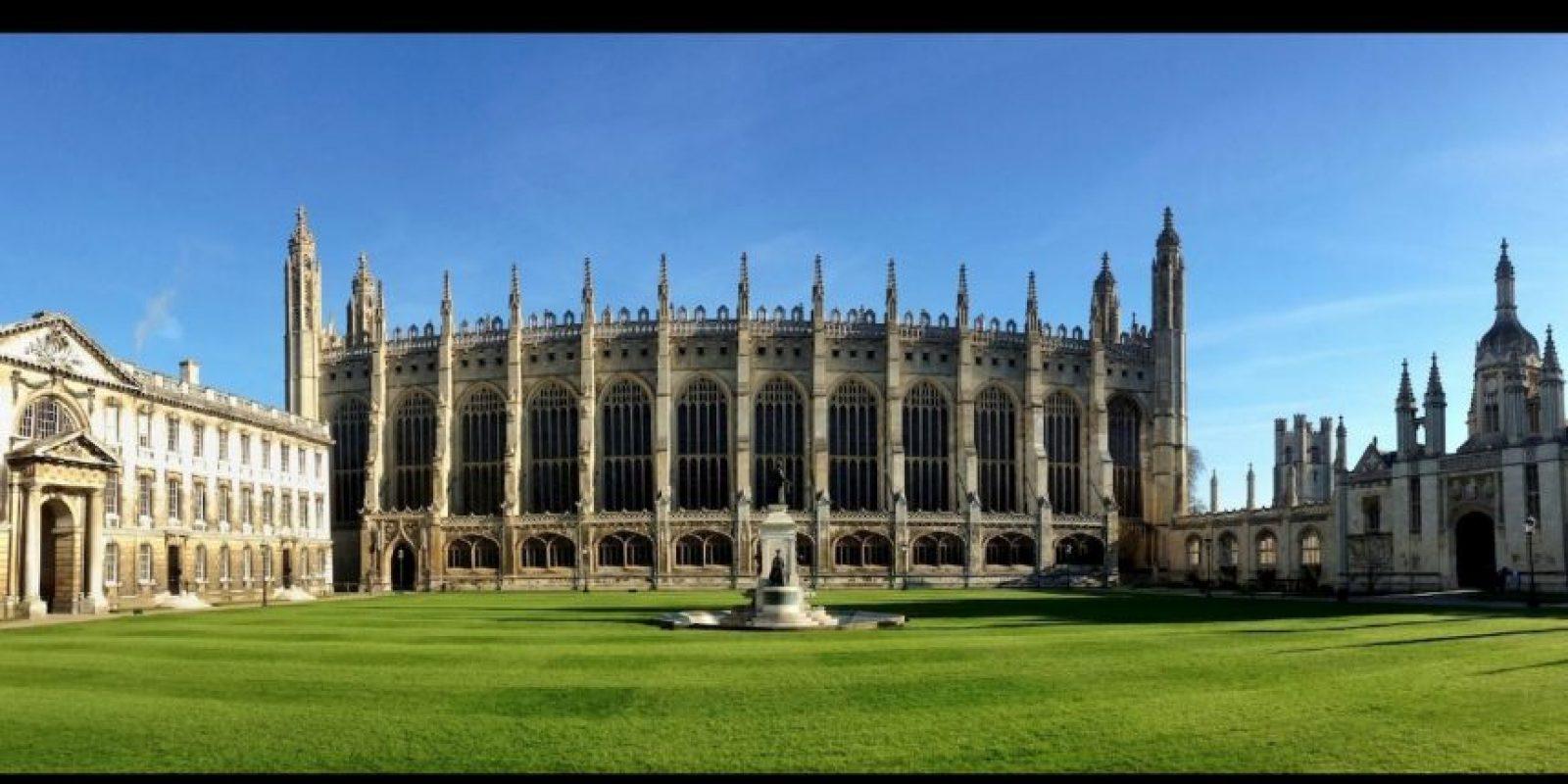 Es una universidad británica situada en la ciudad de Cambridge Foto:facebook.com/cambridge.university/