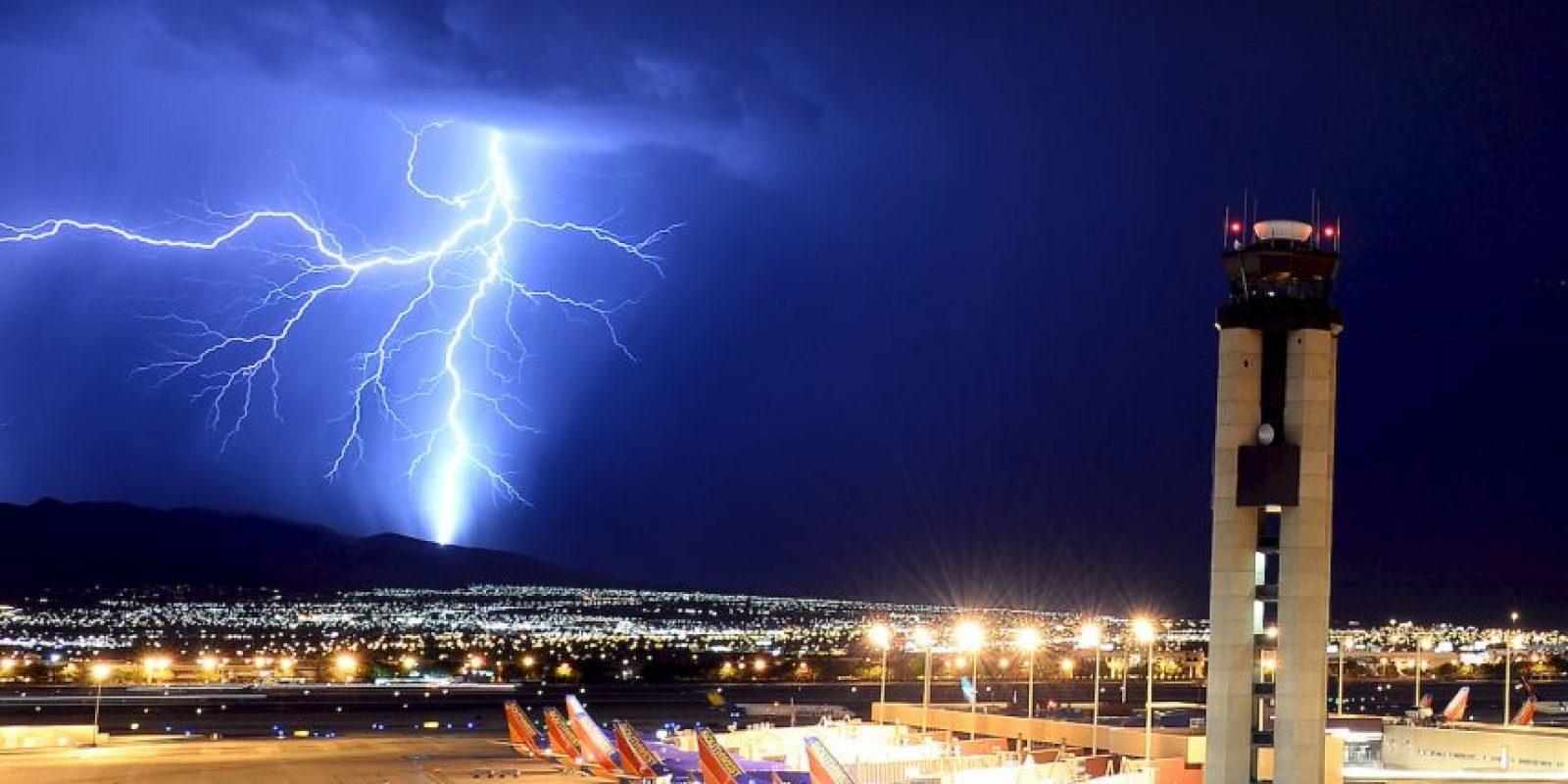 4. Manténgase en el interior durante 30 minutos después de haber visto el último rayo o trueno. Foto:Getty Images