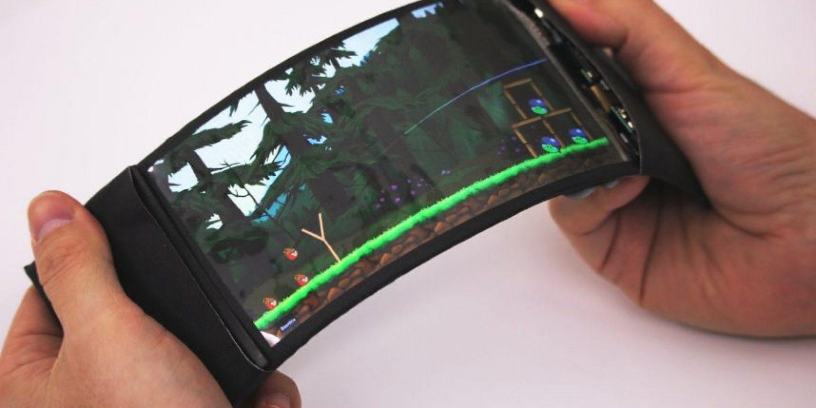 Así luce el smartphone con pantalla flexible. Foto:Vía hml.queensu.ca