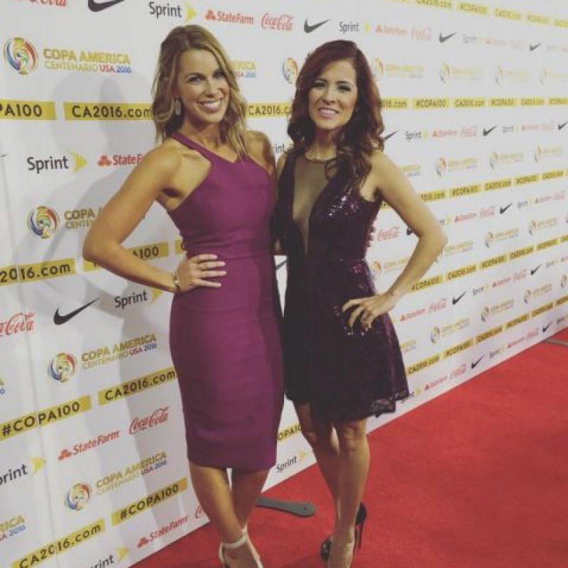 Jenny Taft y Adriana Monsalve fueron las presentadoras del sorteo. Foto:Vía instagram.com/jennytaft