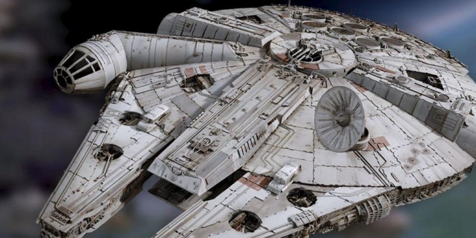 En la nueva atracción los visitantes podrán enfrentarse a una batalla dentro del Millenium Falcon. Foto:Star Wars/Facebook