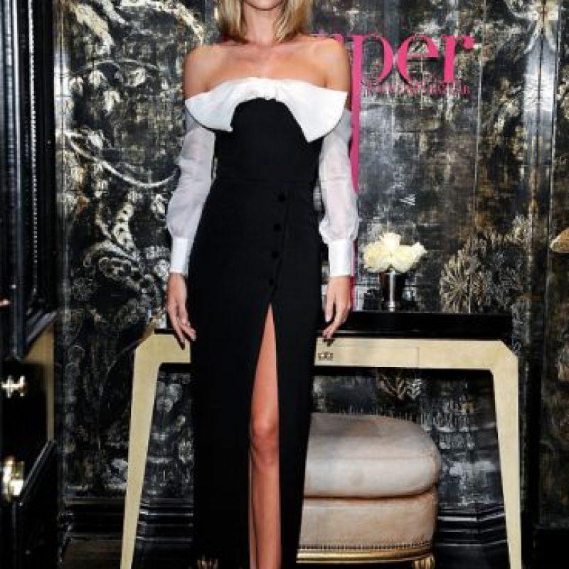 Rosie Huntington-Whiteley es amante de esta tendencia. Foto:GettyImages