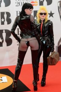 Sadie Pinn y Pam Hogg Foto: Getty Images