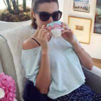 Disfrutando de un descanso con un look muy casual Foto:Vía Instagram/@Mirandakerr