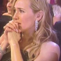 Esta fue la reacción de Kate al ver a Leonardo recibir su estatuilla. Foto:Vía Vimeo