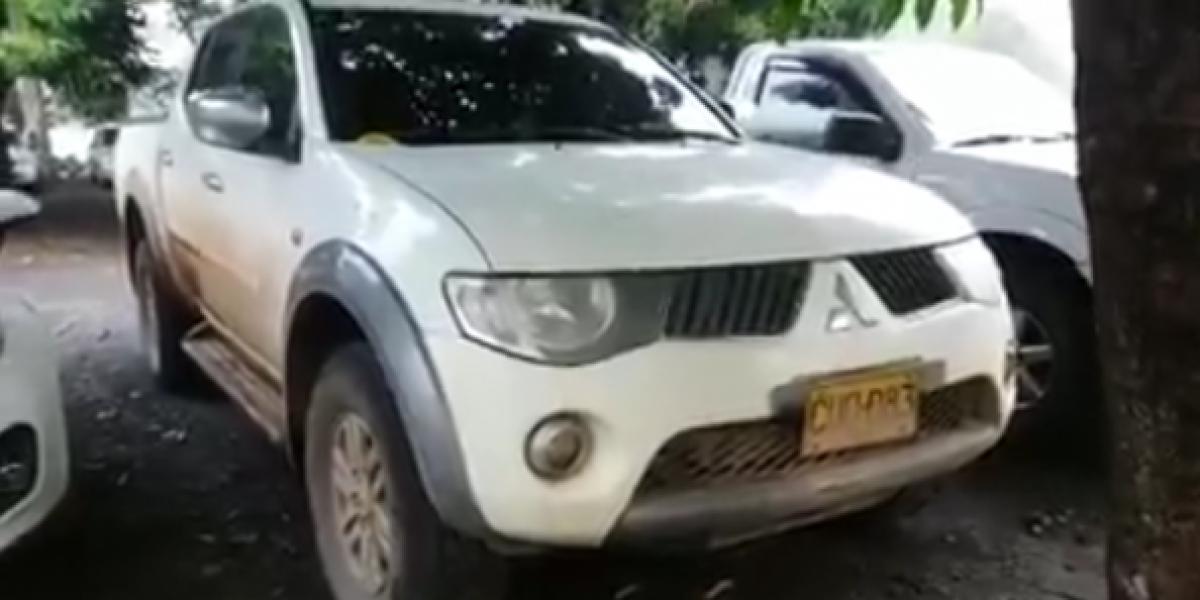 Recuperan camioneta robada en el Valle que usaron las Farc para movilizarse en el Cauca