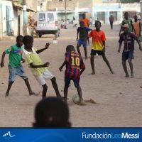 5. A través de la Fundación Leo Messi, el argentino abrió tres clínicas móviles en Argelia, país del norte de África. Foto:Vía facebook.com/FundacionLeoMessi