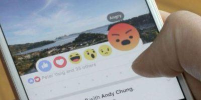 Para usar Facebook desde BlackBerry ahora los usuarios tendrán que descargar apps secundarias o usar la web móvil. Foto:Getty Images