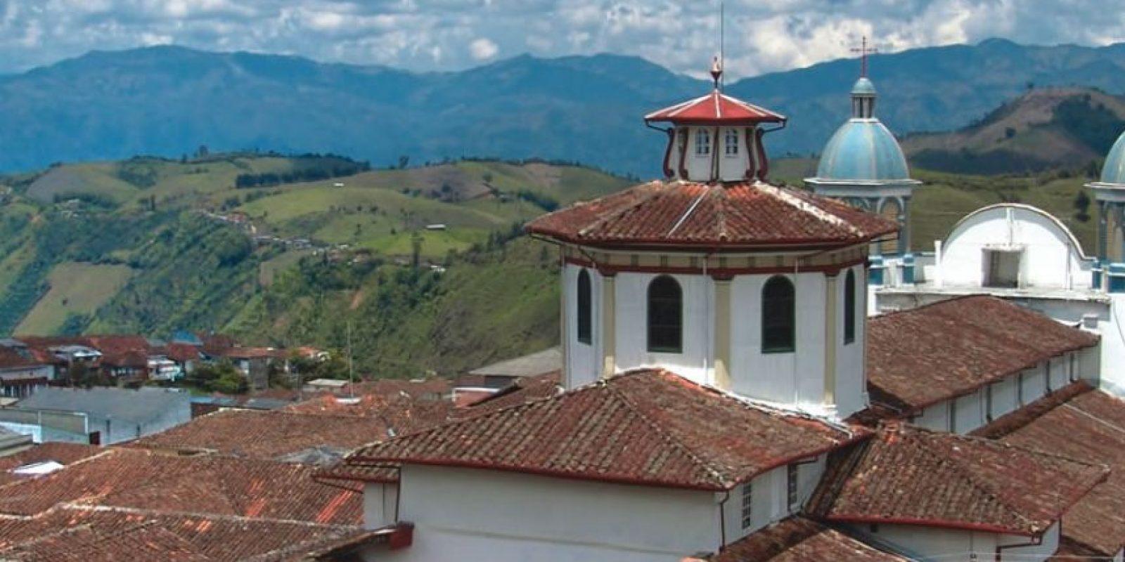 Desde arriba, así se ve la iglesia de Aguadas (Caldas) Foto:Cortesía Procolombia