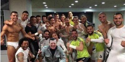 """Incluso, hubo más """"invitados"""" en la foto del Madrid. Foto:Vía twitter.com"""