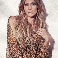 """En 1999 se lanzó como cantante con el disco """"On the 6"""". Foto:Vía instagram.com/jlo"""