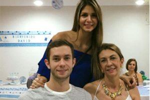 Luis Javier Rojas con su madre, Magdalena Morera, y su hermana, Ángela María Rojas Foto:Tomada de www.facebook.com/magdalena.r.5/