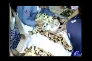 La mujer perdió la vida por la mordedura Foto:YouTube
