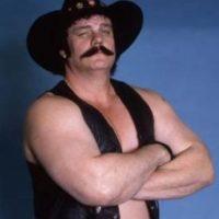 Blackjack Mulligan. Fue inducido en 2006 junto a su compañero Lanza Foto:WWE