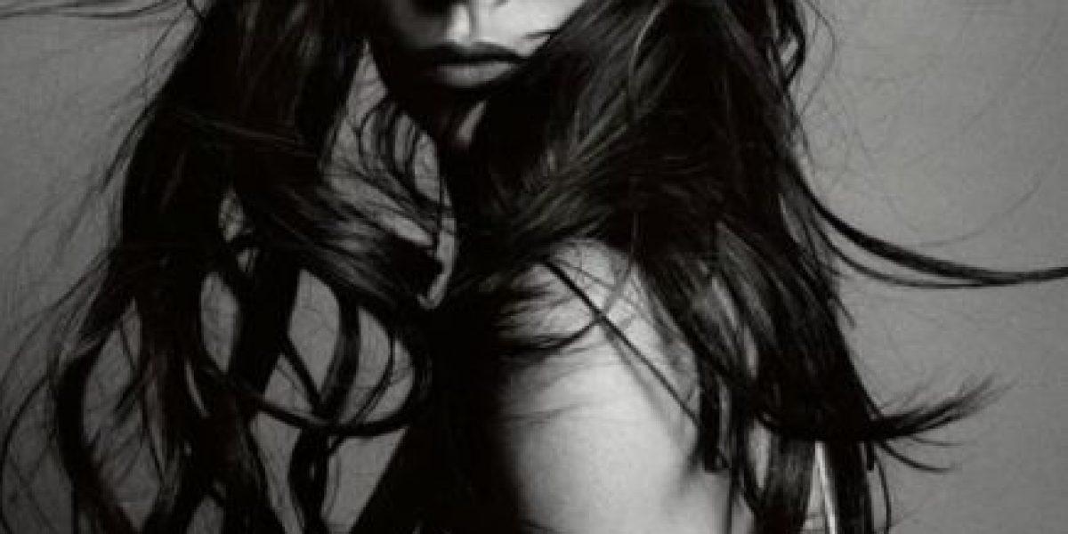 Error de Photoshop en portada de Victoria Beckham para Vogue
