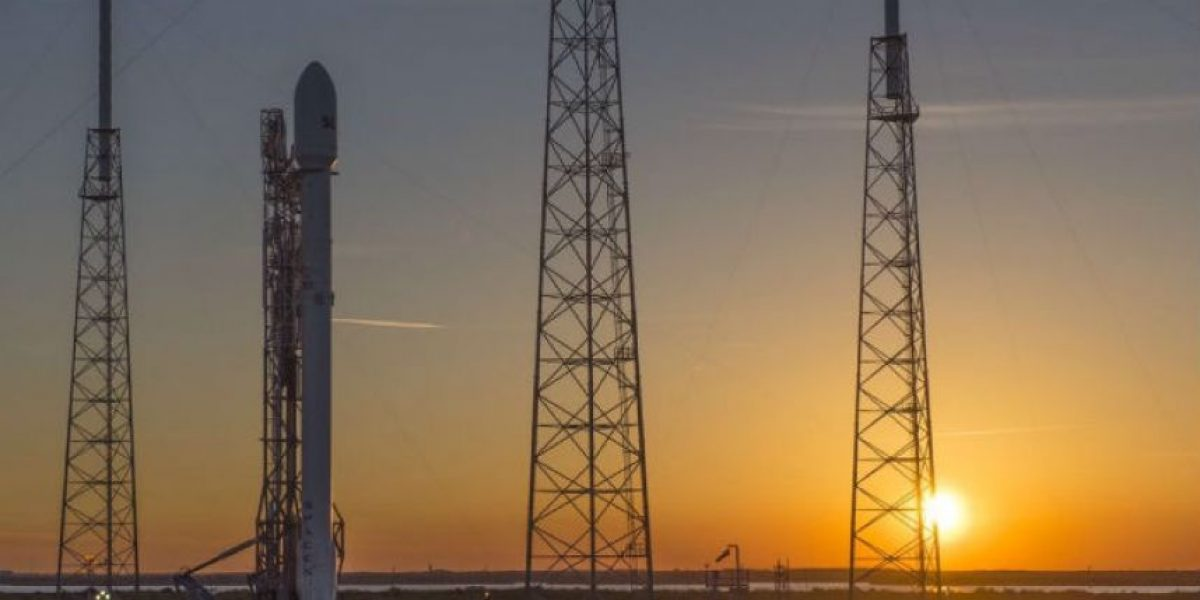 SpaceX logra aterrizar el cohete Falcon 9 en plataforma marina