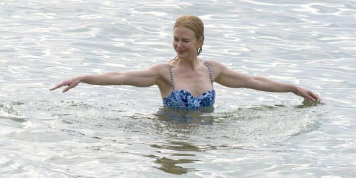 En bikini, Nicole Kidman espectacular a los 48 años