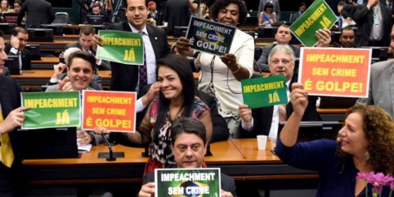 En caso de ser destituida de su cargo podría ser remplazada por el vicepresidente Michel Temer Foto:AFP