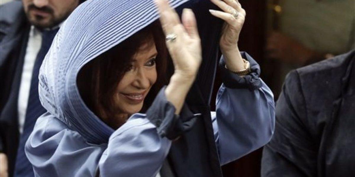 Cristina Fernández se defiende y critica gobierno de Macri