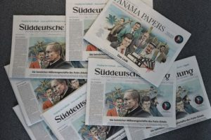 Todo comenzó con un enigmático mensaje que una persona anónima envió al diario alemán Süddeutsche Zeitung Foto:AFP