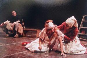 La obra 'Madre Coraje y sus hijos', de Bertolt Brecht, en el Pequeño Teatro. Foto:Cortesía Pequeño Teatro de Medellín.