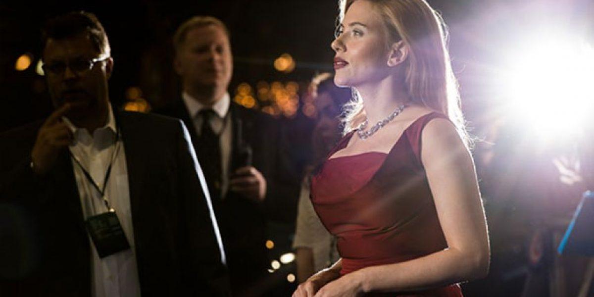 Scarlett Johansson conquista con su look en