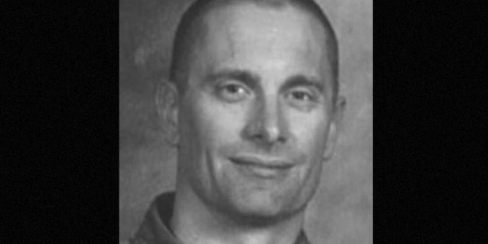 6. Robert William Fisher. Se le busca por haber matado a sus dos hijos y a su esposa en Arizona, en 2001. Se ofrecen 100 mil dólares de recompensa por información que lleve a su captura Foto:fbi.gov/wanted/topten