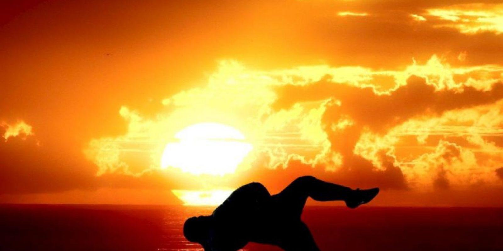 Yoga a contraluz. Foto:reddit.com