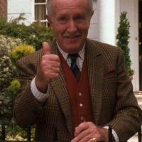 Ronnie Stevens, el abuelo, murió en 2006. Foto:vía Disney