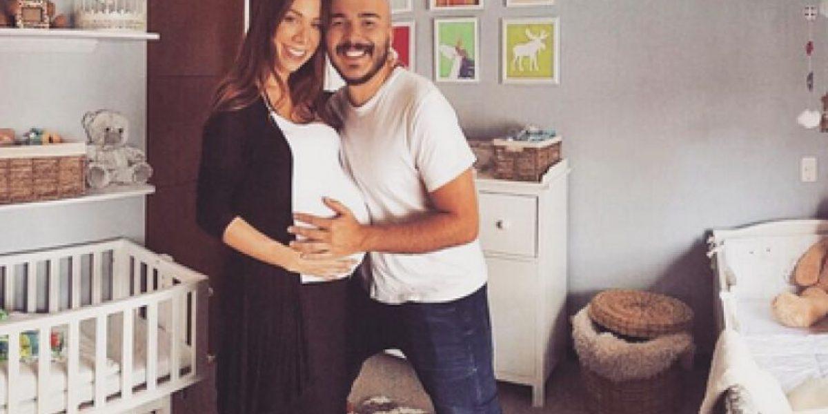 Carlos y Carolina, del Grupo Siam, le dan la bienvenida a su hija