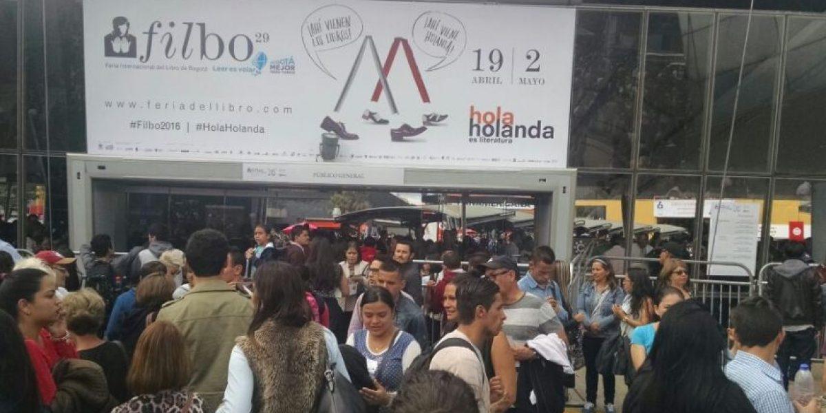 Caos en la Feria del Libro por excesiva afluencia de público