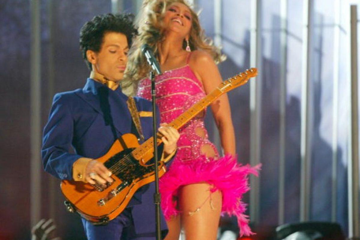 """7. """"La gente de color todavía me llama Prince. A veces les pregunto, '¿por qué me dicen Prince?', y ellos responden, 'porque tú eres un príncipe para nosotros"""