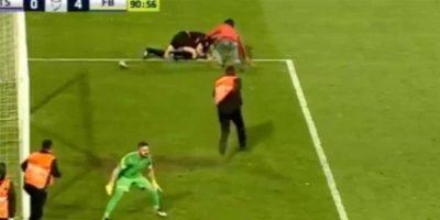 Esto ocurrió durante un encuentro entre Fenerbahce y Trabzonspor. Foto:YouTube