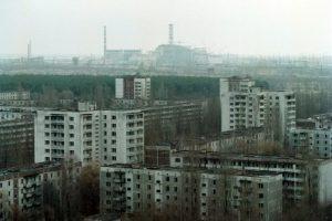 Después del accidente, se inició un proceso masivo de descontaminación aunque se aisló un área alrededor de la central nuclear. Foto:Getty Images