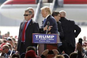 Situación que ha complicado la carrera presidencial de sus contrincantes – Ted Cruz, John- Foto:AP