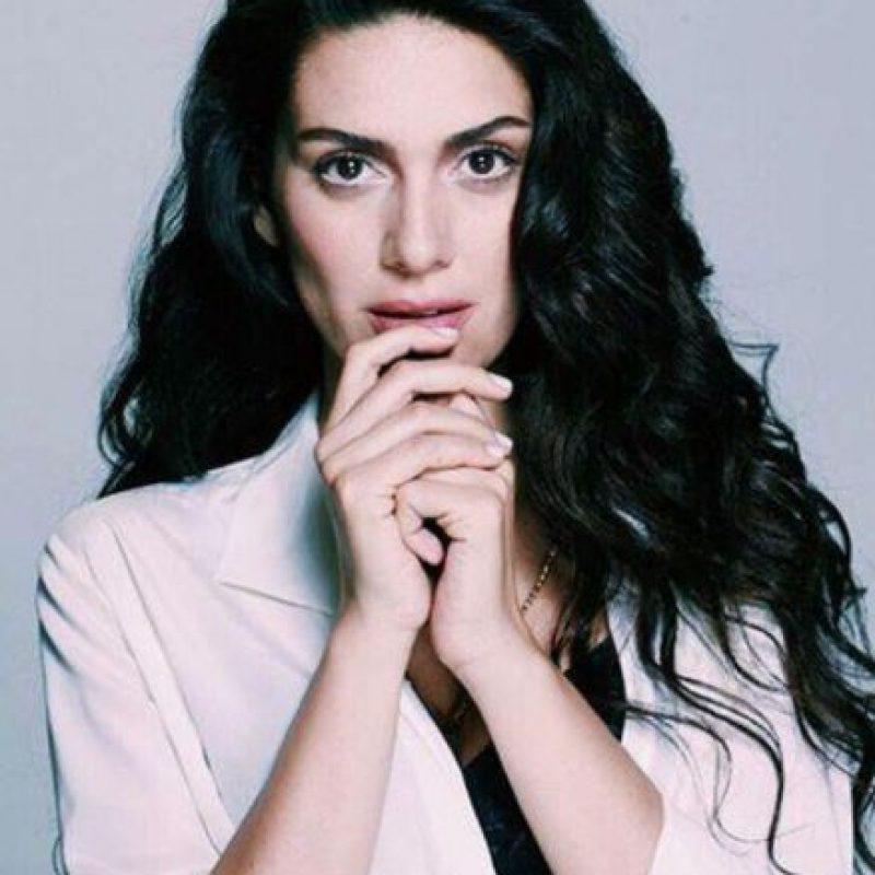 """Ha ganado premios por """"Karadayi"""" y esta telenovela en Colombia. Foto:vía Facebook/Bergüzar Korel"""