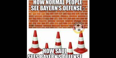 Cómo la gente normal ve a la defensa del Bayern / Cómo los ve Saúl Foto:Vía twitter.com/trollfootball