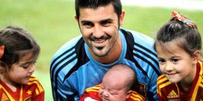 David Villa con sus pequeños Zaida, Luca y Olaya Foto:Getty