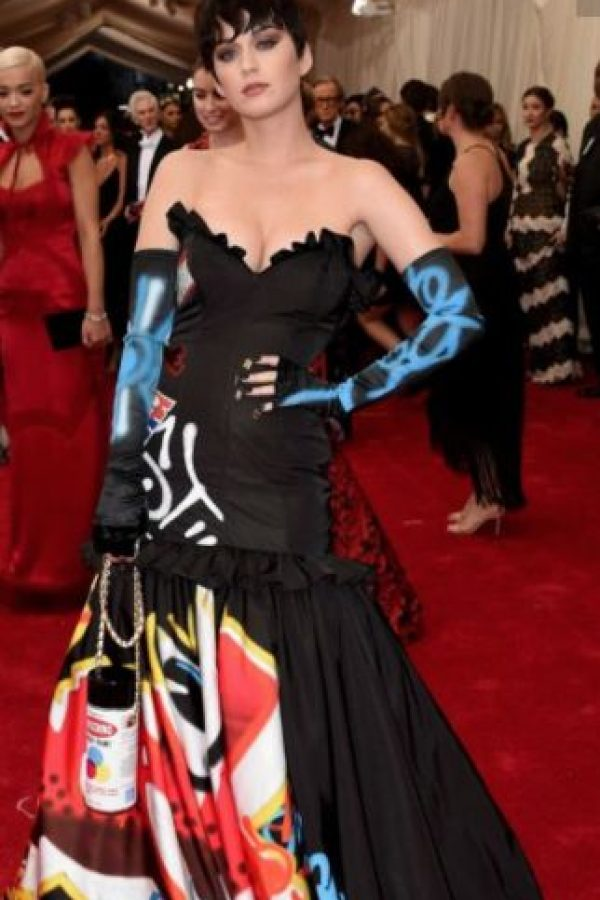 """Katy Perry en Moschino, viéndose como Kris Jenner en su estatus de """"nueva rica"""" (o sea siempre). Foto:vía Getty Images"""