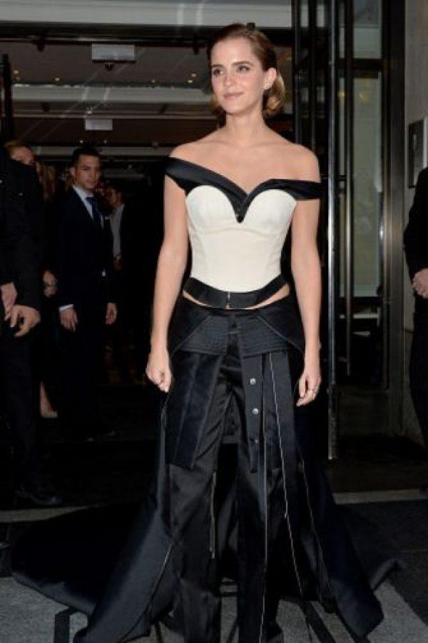 Emma Watson con distintas combinaciones de material. Foto:vía Getty Images