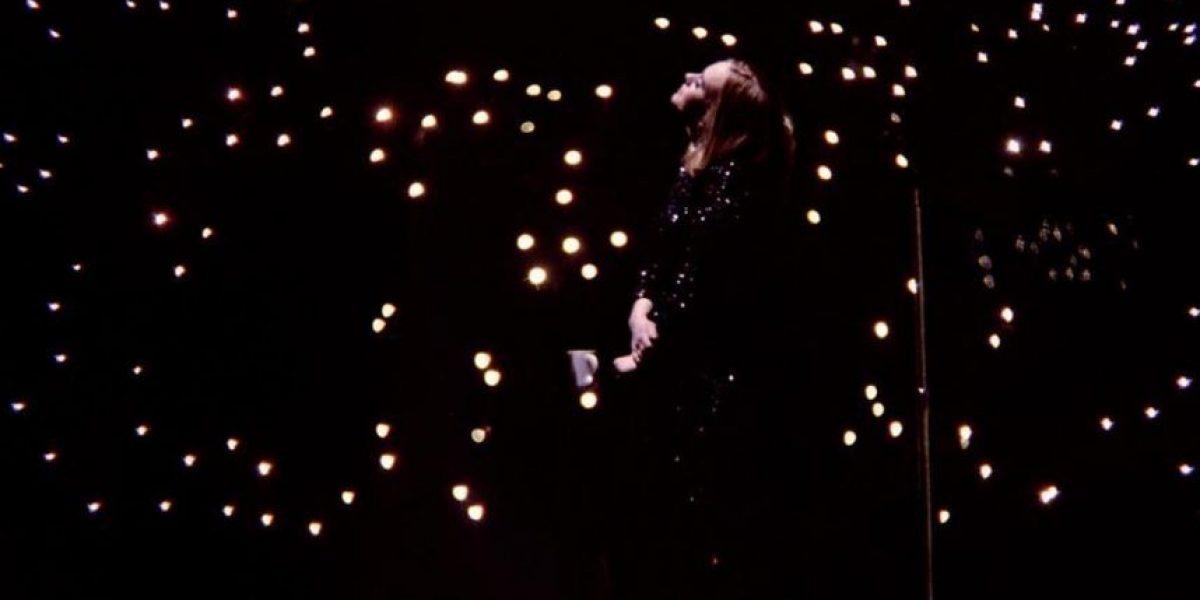 Adele ofrece ser la madre sustituta de una pareja gay