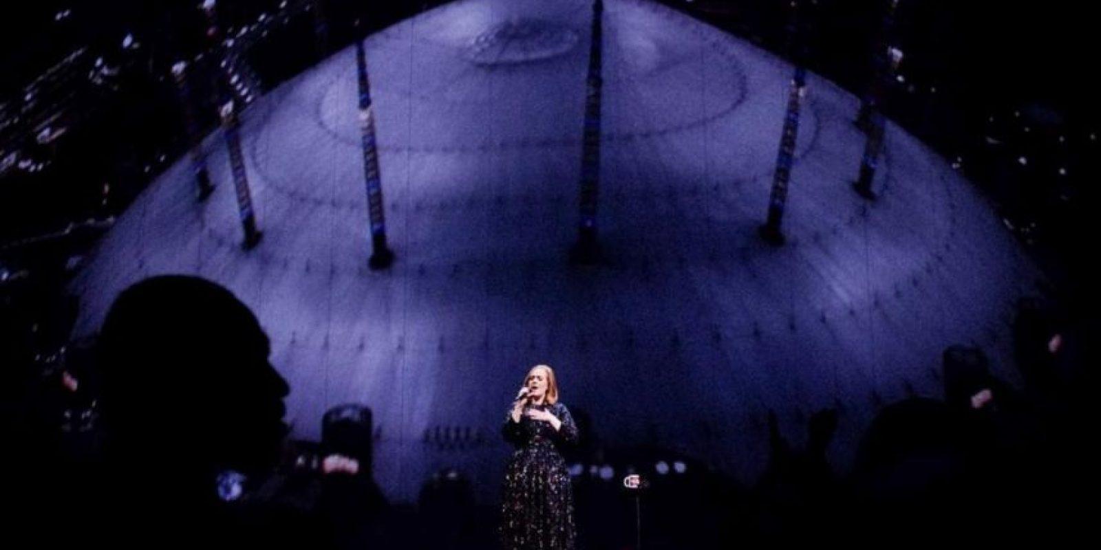 Con 21 semanas,no consecutivas, en el número 1 de las listas de Estados Unidos, Adele rompió el record de permanencia en la cima de Billboard, Foto:Vía instagram.com/adele/