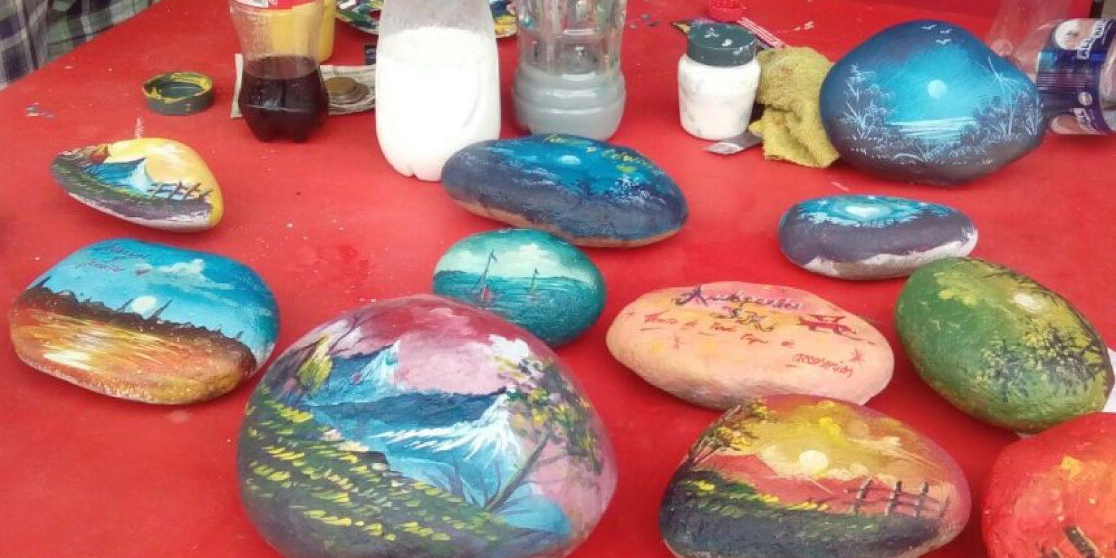 Aquí algunas de sus obras. Foto:Vía Facebook/UnapiedraparaunhermanoOficial/