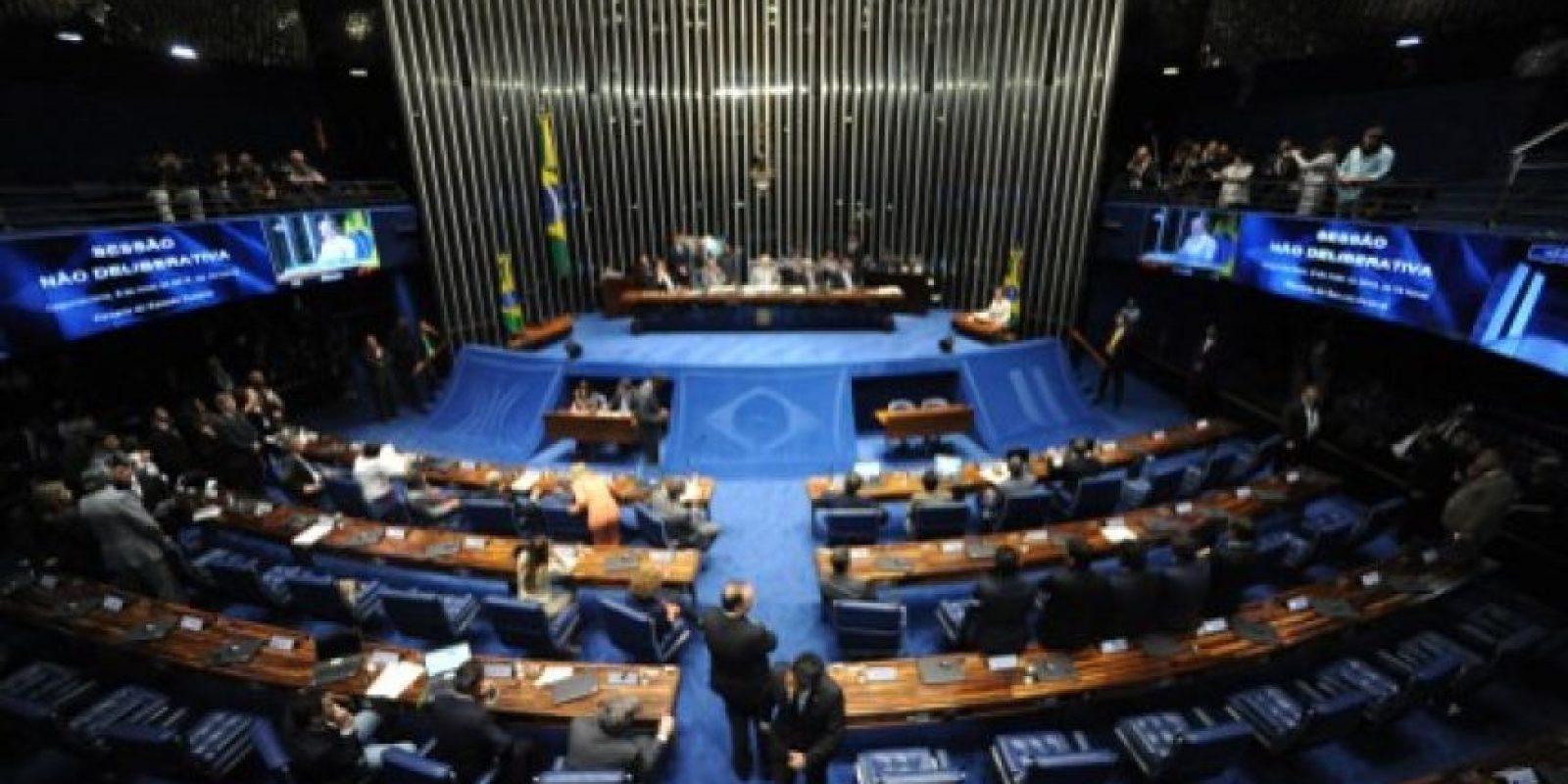 El viernes 6 de mayo los miembros del Senado votaron a favor del juicio político contra la mandataria. Foto:AFP