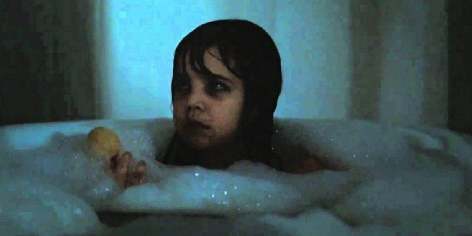 La joven Sally Hurst descubre que no está sola en su nueva casa: extrañas criaturas viven allí, y es posible que no sean tan amistosas como Sally cree. Foto:vía Netflix