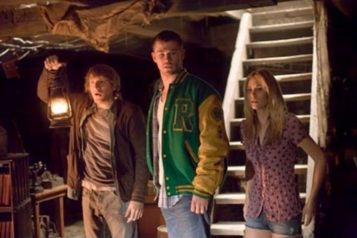 Cinco amigos emprenden un viaje de descanso en una cabaña alejada. Pero una vez allí descubren que hay un protocolo estricto que seguir si no quieren sufrir un castigo. Foto:vía Netflix