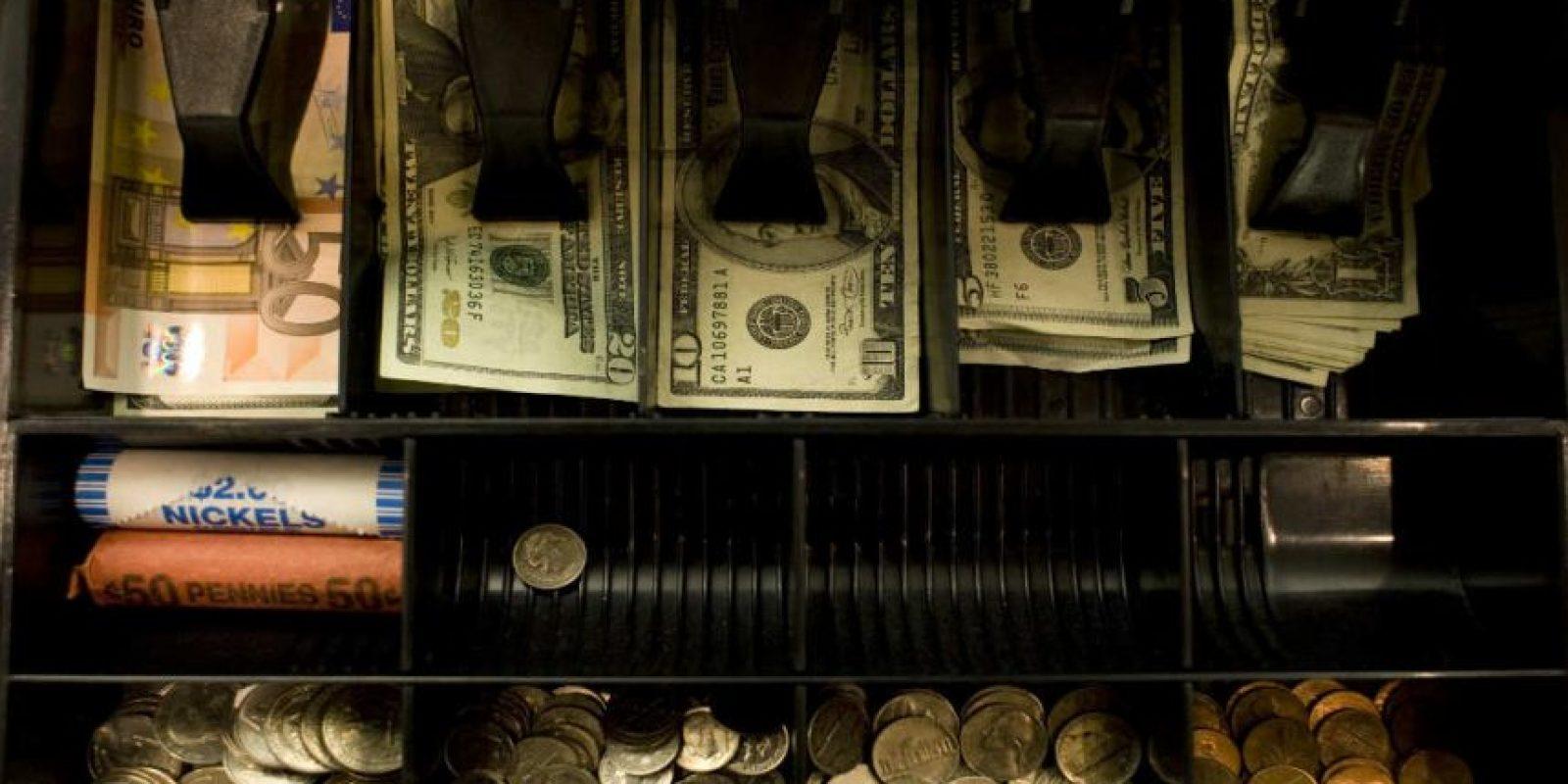 Sólo adquieran una cuenta bancaria conjunta si tienen la mismas ideas económicas. Foto:Getty Images
