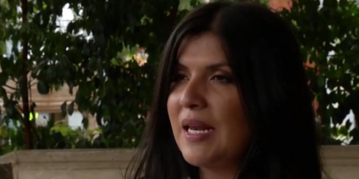Periodista colombiana denuncia que cirujano estético destruyó sus senos