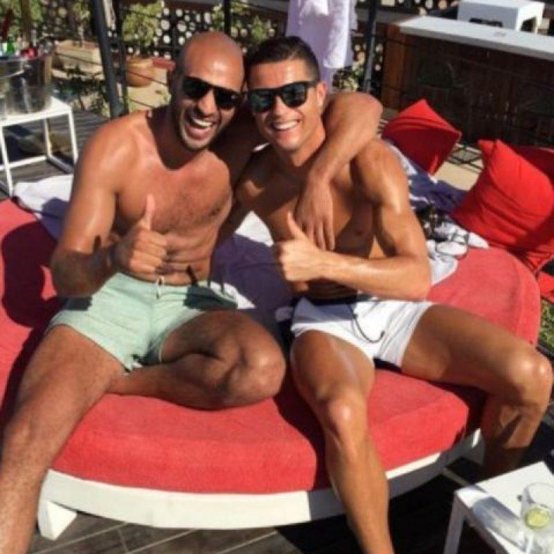 Incluso, surgió el rumor en algunos medios de que tenían una relación más íntima Foto:Vía instagram.com/badrhari